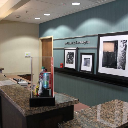 Hampton Huntington Front Desk