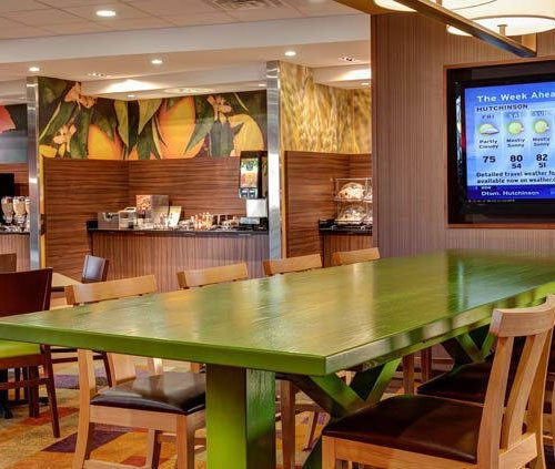 Fairfield Huntington Breakfast Area