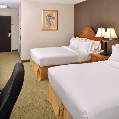 Holidayinn Madison Double Bed