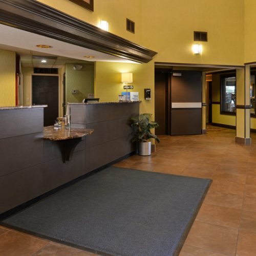 Holidayinn Madison Front Desk