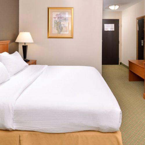Holidayinn Madison King Room