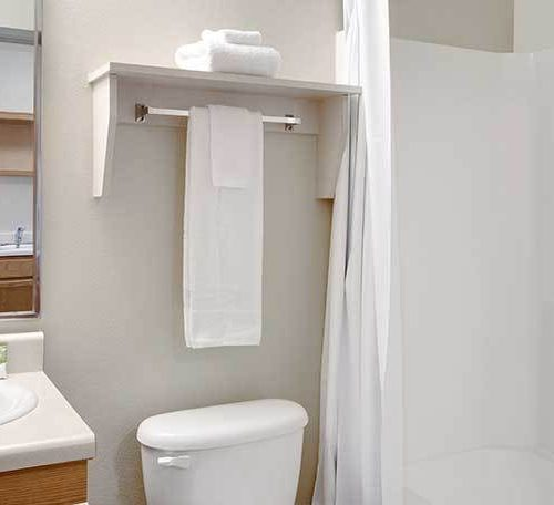 WoodSpring Suites Extended Stay Hotel Rebrand Carpet Generic Bathroom 738×456~800